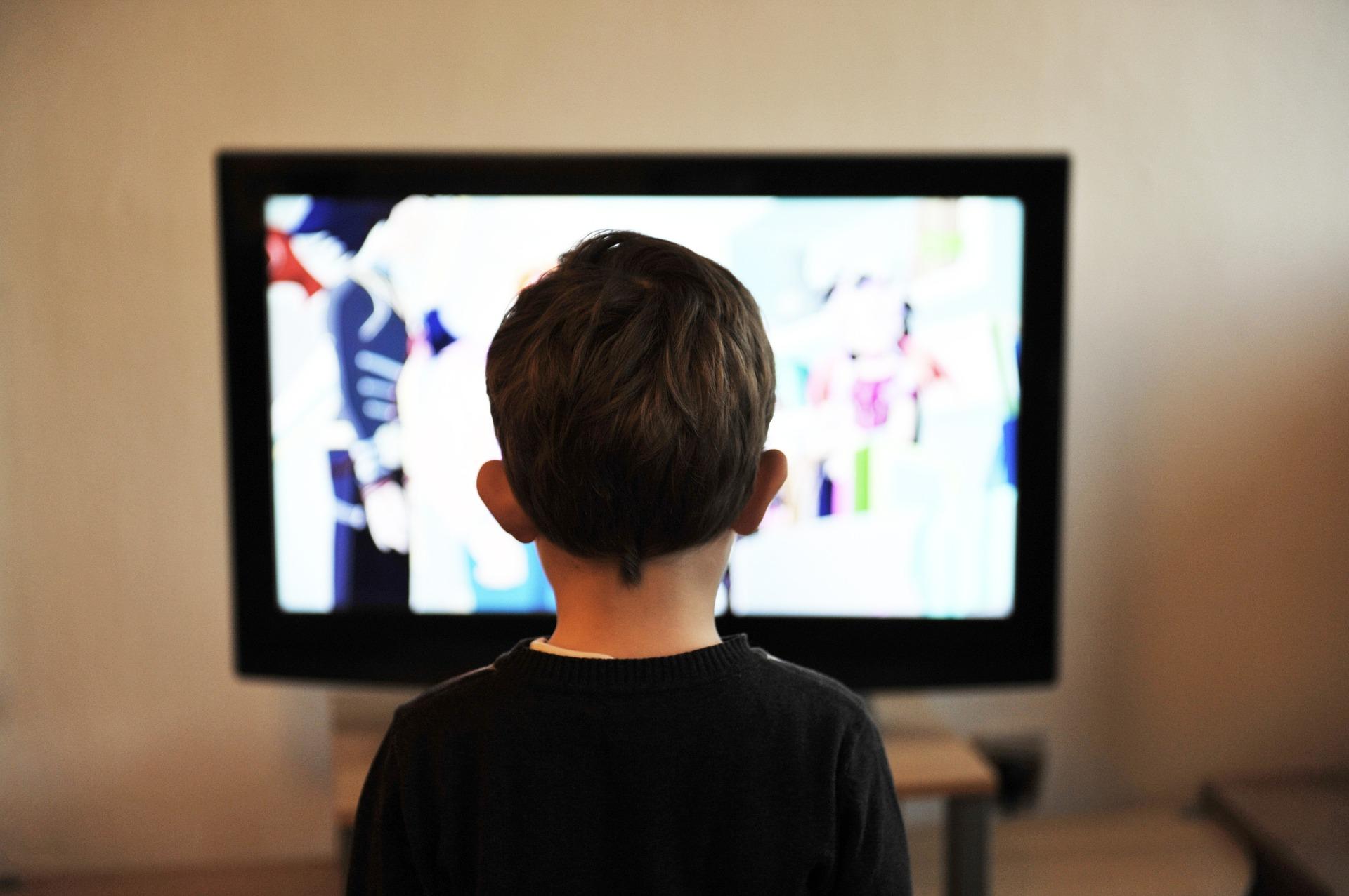 Factcheck: 'Tv-kijktijd daalt in Nederland sneller dan in omringende landen'