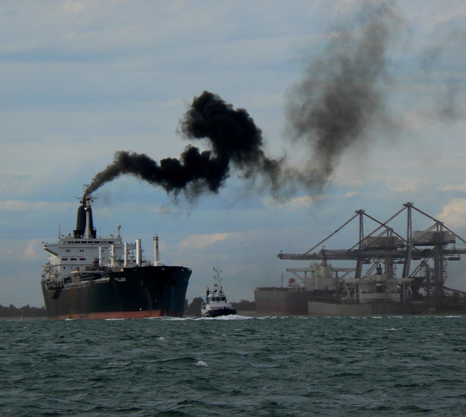Factcheck: 'Schepen stoten twee keer zoveel broeikasgas uit als auto's'