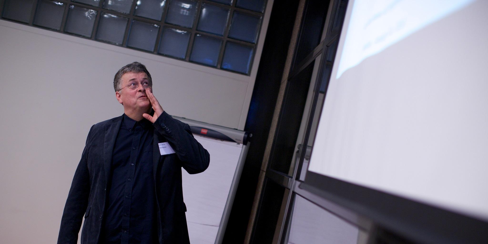 Henk van Ess (Bellingcat): 'Factcheckers trekken te weinig conclusies' [AUDIO]
