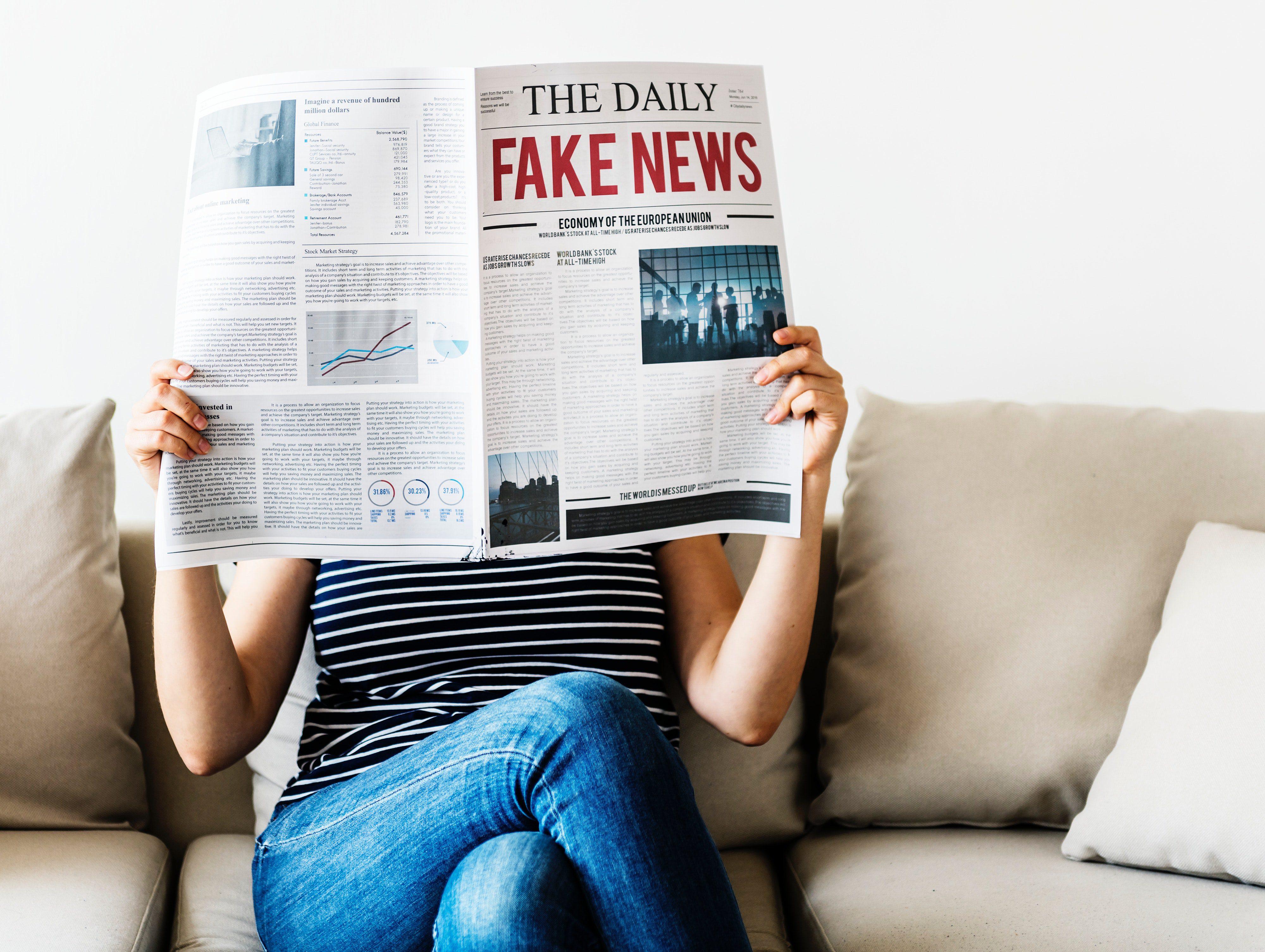 Italiaanse factcheckers bedreigd, Whatsapp verspreidt radioberichten en je computer met je moeder laten praten