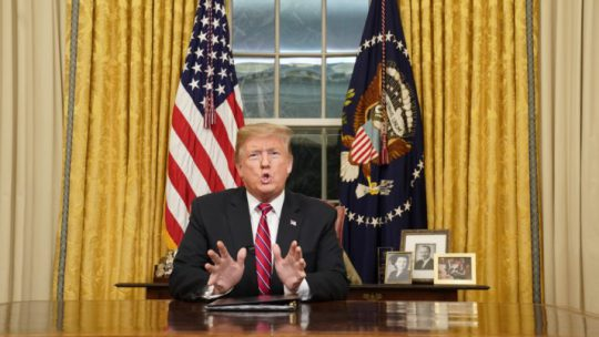 Nieuwsoverzicht: nepnieuwsvoorspellingen voor 2019, meer wetenschappelijk inzicht en de toespraak van Trump