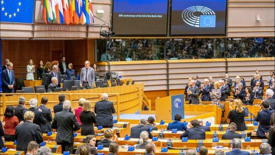 Thuiswerkende EU-parlementariërs eisen reiskostenvergoeding?