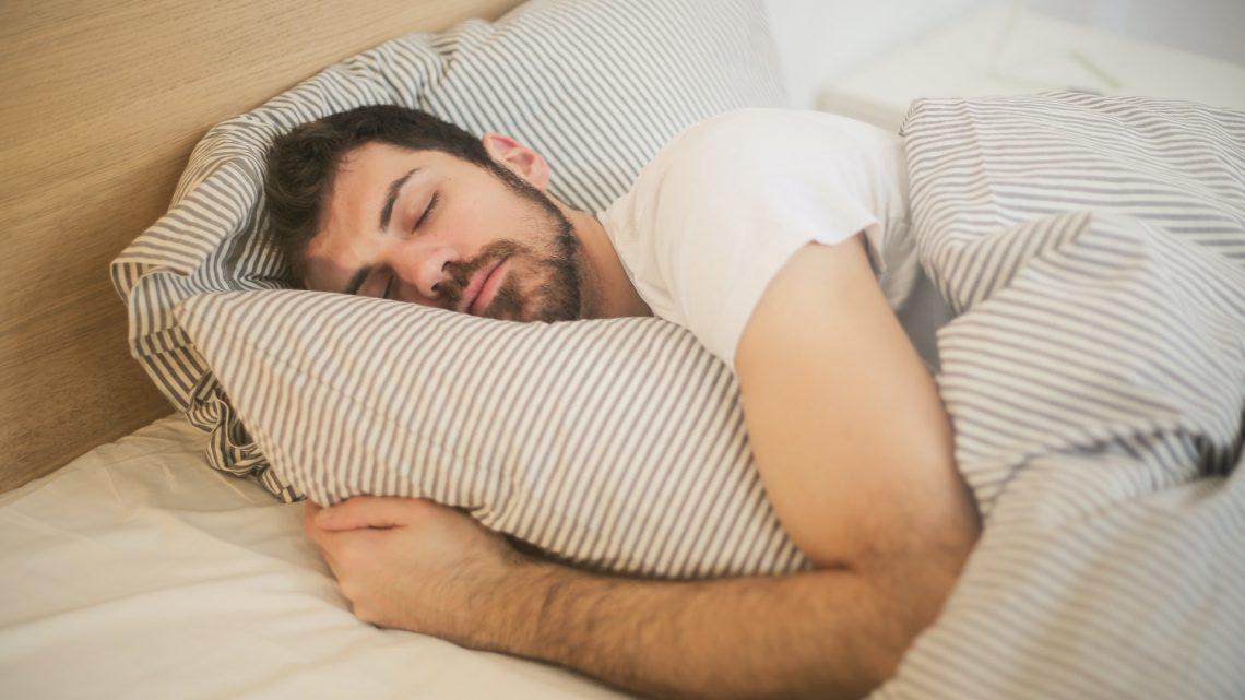 Zijn mannen die korter slapen mannelijker?